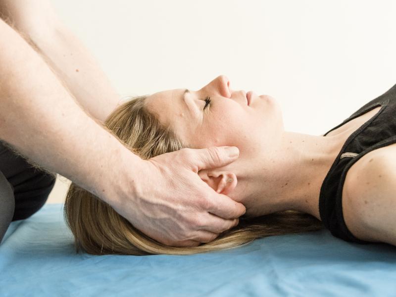 Verspannungen lösen Körpergefühl Ganzheitliches Training Matthias Zuckerhut